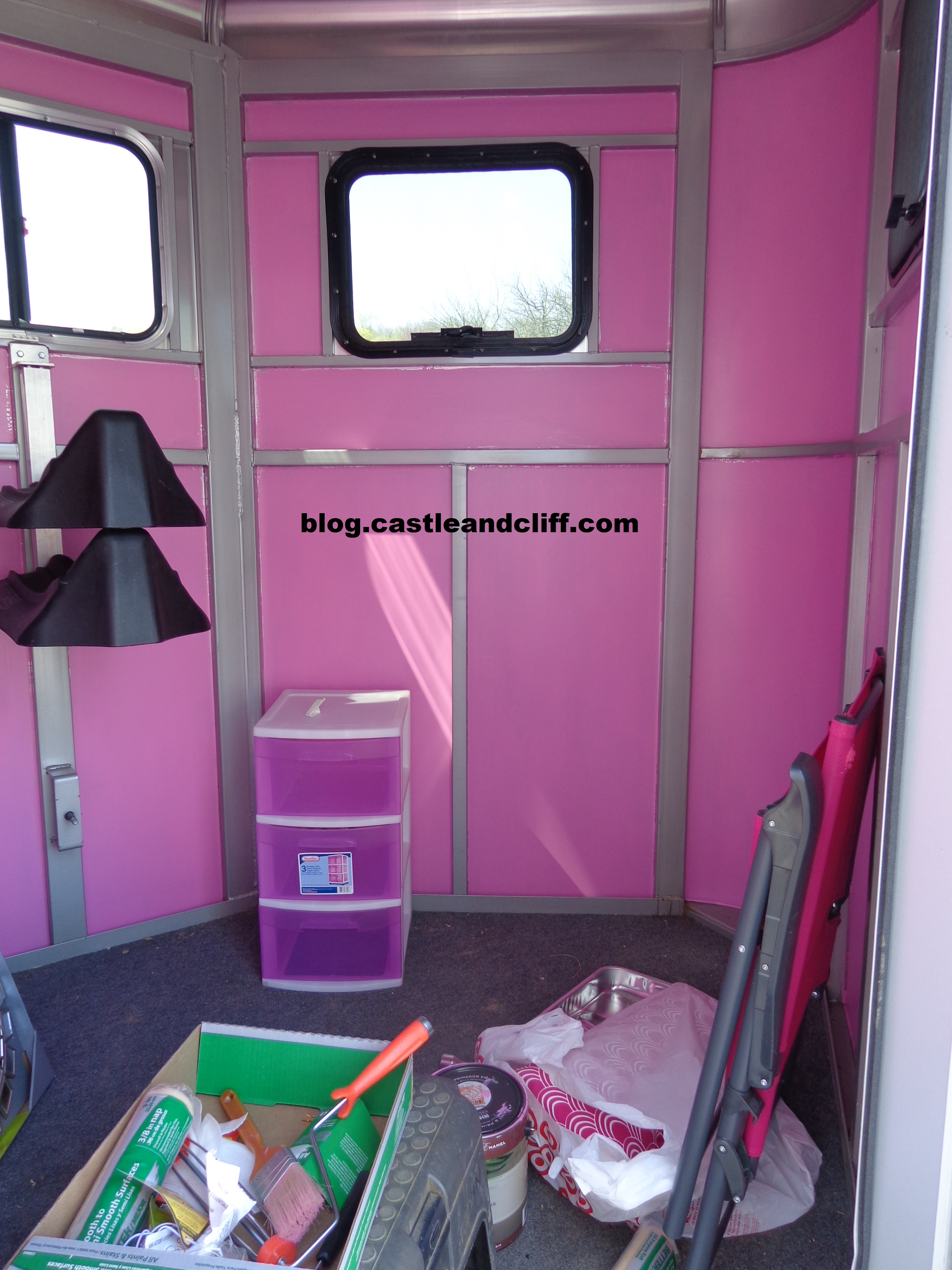 Horse Trailer Glam Over Castle And Cliff Blog
